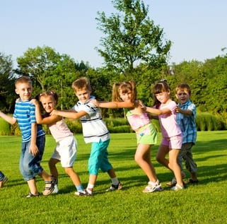young children, games, outside, outdoor education, cooperation